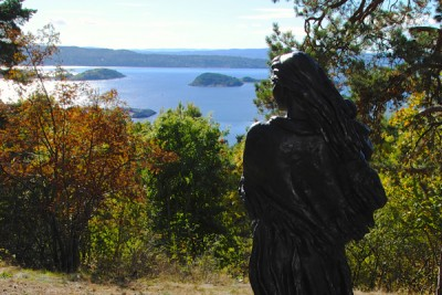 "The Ekeberg Park was opening this week amidst brilliant sunshine and a shift in sentiment among those who opposed its creation. Here, Per Ung's statue ""Mor og barn"" (""Mother and Child"") at one of the park's many scenic viewpoints over Oslo and the Oslo Fjord. PHOTO: newsinenglish.no"