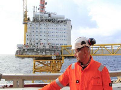 Olje- og energiminister Tord Lien under åpningen av Ekofisk Sør (Ole Berthelsen/OED)