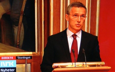 Prime Minister Jens Stoltenberg mounted the podium after Johnsen to announce, as expected, that his government would formally submit its resignation to King Harald V Monday afternoon. PHOTO: NRK screen grab/newsinenglish.no
