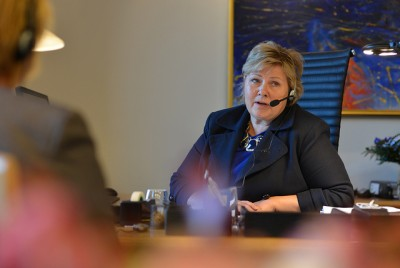 """Prime Minister Erna Solberg talking to US President Barack Obama on her first day office. She said earlier on Tuesday that a """"dialogue"""" regarding surveillance concerns would continue with the US. PHOTO: Statsministerens kontor"""
