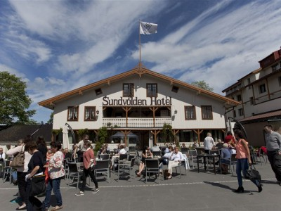 Sundvolden Hotel has roots back to the 1600s and became part of government history when it served as a reception center for survivors of the terrorist attacks of July 22, 2013. The hotel's owners now hope the new government attacks can contribute to more positive associations. PHOTO: Sundvolden Hotel