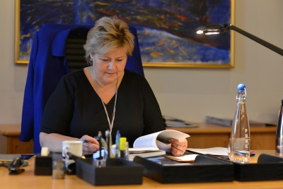 """Prime Minister Erna Solberg fears Norway is pricing itself out of the market with its high costs and entrenched protectionism, and that it's important to pay attention to """"warnings signals"""" coming from new economic outlook reports that predict slower growth in 2014. PHOTO: Statsministerens kontor"""
