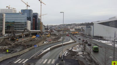 The area around the Opera House in Oslo has been torn up for years and traffic congestion is about to get worse as work begins on the next major phase of the waterfront redevelopment in the area known as Bjørvika. The Opera House is on the right. PHOTO: newsinenglish.no