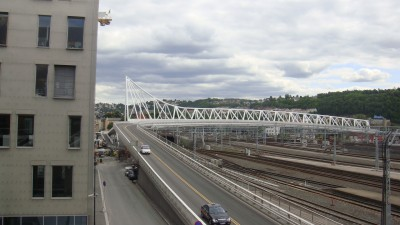 This new bridge over the railroad tracks leading into Oslo's central station will also be closed from December 1. PHOTO: newsinenglish.no