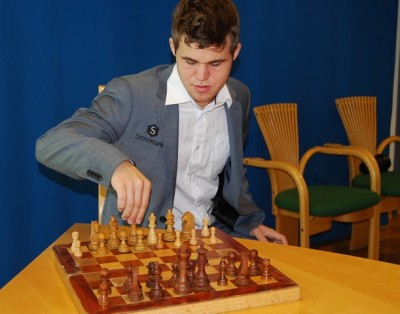 Norwegian chess star Magnus Carlsen will get the first move on Saturday, when the World Chess Championship finally gets underway. PHOTO: newsinenglish.no/Nina Berglund