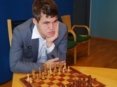 Magnus Carlsen in Oslo, pondering his next move. PHOTO: newsinenglish.no/Nina Berglund