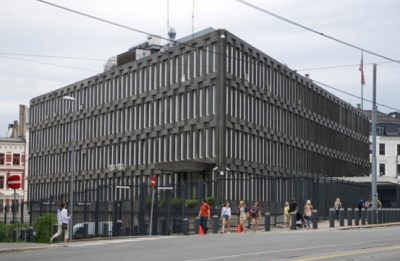 The US Embassy building in Oslo will be vacated early next year and put up for sale, but it will be subject to historic preservation orders. PHOTO: newsinenglish.no