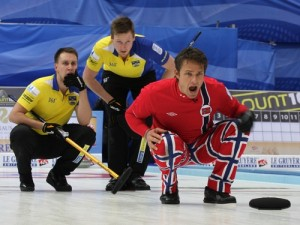 Thomas Ulsrud and his curling teammates are known for their expertise and colourful trousers. PHOTO: Norges Curlingforbund