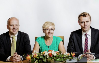 The Center Party's leaders in happier days, even though a new party report admits they rarely met face-to-face, even during the critical and eventually disastrous election campaign. From left, Trygve Slagsvold Vedum, Liv Signe Navarsete and Ola Borten Moe. All three lost their government ministerial posts when Sp logged its worst election results ever. PHOTO: Senterpartiet