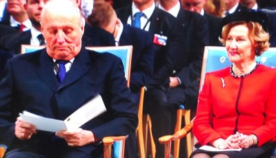 The annual Nobel Peace Prize ceremony unfolded with its customary formality with King Harald and Queen Sonja in place. Crown Prince Haakon, however, was in South Africa with Prime Minister Erna Solberg to attend the memorial for Nelson Mandela, and Crown Princess Mette-Marit remains on sick leave following neck surgery. PHOTO: NRK/newsinenglish.no