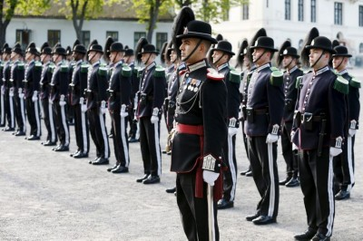 Norway's royal guards now have a variety of functions and responsibilities, but are still best known for their precision marching and music, and honour duty at official events. PHOTO: Forsvaret/Torbjørn Kjosvold