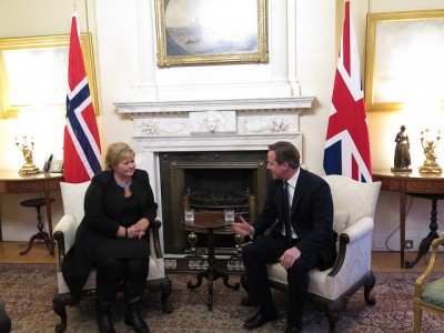 Prime Minister Erna Solberg had her first bilateral meeting with British Prime Minister David Cameron in London last week, at his residence at Number 10 Downing Street. PHOTO: Statsministerens kontor