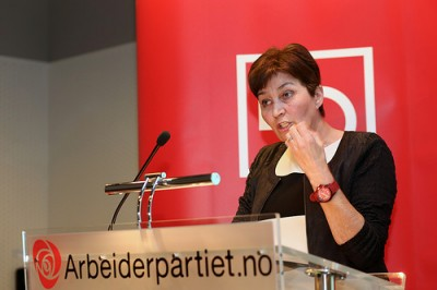 "LO boss Gerd Kristiansen, shown speaking at a recent meeting of the Labour Party, admitted she already is ""frustrated"" by the employers' organization NHO, and can't rule our major conflicts as labour negotiations get underway. PHOTO: Arbeiderpartiet"