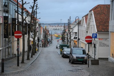 Oil-fueled cities like Stavanger are most vulnerable to a decline in oil investment. Low interest rates may help offset effects of a downturn. PHOTO: newsinenglish.no