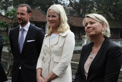 The crown couple with Business and Trade Minister Monica Mæland led a large Norwegian business delegation to Vietnam this week. PHOTO: Nærings- og Fiskeridepartement/Ragnhild H Simenstad