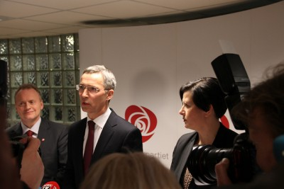 Jens Stoltenberg announcing his pending resignation as long-time leader of the Norwegian Labour Party, to become the next secretary general of NATO. At left, party secretary Raymond Johansen and at right, deputy leader Helga Pedersen. PHOTO: Arbeiderpartiet