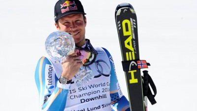 Aksel Lund Svindal won the overall season downhill title in Switzerland on Wednesday morning, but a disappointing performance in Thursday's super-G race all but put the Norwegian out of contention for the World Cup title. While Svindal was still in the lead, Austrian rival Marcel Hirscher was just 19 points behind, with Hirscher's pet slalom events still to come over the weekend. PHOTO: Agence Zoom/International Ski Federation