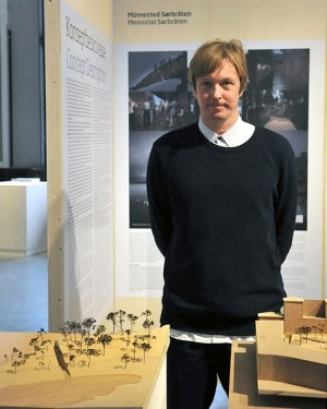 Swedish artist Jonas Dahlberg, with models of his winning memorial proposals that have been on display at Oslo City Hall. PHOTO: Alette Schei Rörvik/Public Art Norway