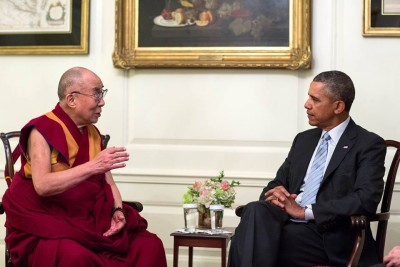 The Dalai Lama was received by the US President Barack Obama in the White House in February. Last year British Prime Minister David Cameron met with the exiled Tibetan spiritual leader. Norway's most senior politician, Parliamentary President Olemic Thommessen said he is not being cowardly by putting PHOTO: Pete Souza/White House/facebook