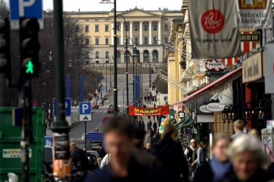 Karl Johans Gate is Oslo's main street, stretching from the royal palace through the central shopping district. As Norwegian intelligence services warn of the increasing threat of a home-grown attack, some experts fear increased surveillance of immigrant groups will hinder their integration into Norwegian society. PHOTO: Erik Skjerve/Forsvarets mediesenter