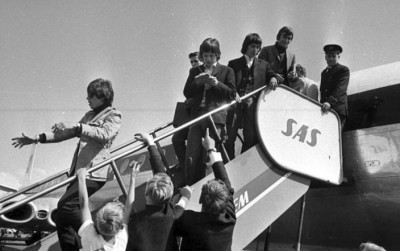 The Rolling Stones got a noisy welcome when they landed at Oslo's old airport at Fornebu on June 23, 1965. On Monday, nearly 49 year later, three of the original band members will be back at Fornebu for a sold-out concert at Telenor Arena. PHOTO: Arbeiderbevegelsens arkiv og bibliotek via Facebook