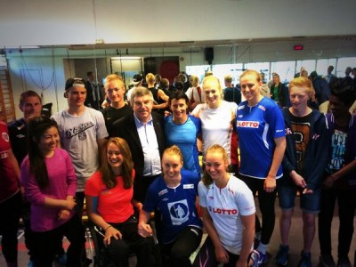 IOC President Thomas Bach meets young Norwegian athletes during a visit to the Olympiatoppen training centre in Oslo on Monday. Bach also spoke with members of the women's cross country ski team about the controversy that surrounded their black armbands at the Sochi Olympics, following the death of Astrid Jacobsen's brother. PHOTO: twitter.com/idrett