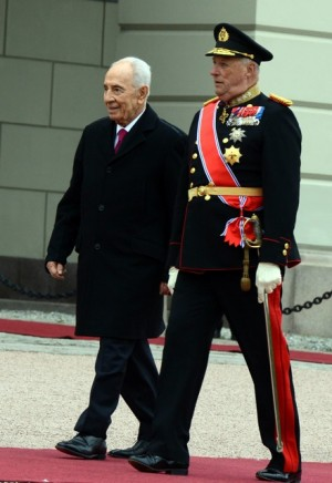 Now King Harald's advisers will need to decide whether to accept the invitation of a reciprocal state visit to Israel, which is bound to be controversial in Norway. Peres, meanwhile, is due to step down in June and King Harald has limited his foreign travel in recent years. PHOTO: Haim Zach / Government Press Office
