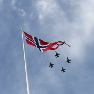 Fighter jets also roared overhead in Trondheim, where the weather was a better than it was in Oslo on Liberation- and Veterans Day. PHOTO: Forsvaret