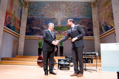 Surrounded by the art of Edvard Munch in the historic Aula at the University of Oslo, Russian mathematician Yakov G Sinai received the Abel Prize in Mathematics for 2014 from Crown Prince Haakon. PHOTO: The Abel Prize