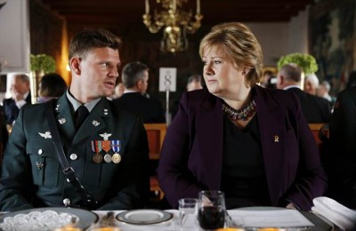 Lt Aleksander Hesseberg Vikebø of Bærum was seated next to Prime Minister Erna Solberg at a Liberation Day and Veterans Day lunch at Akershus on Thursday, after becoming Norway's highest decorated officer in modern times. PHOTO: Torbjørn Kjosvold/Forsvaret