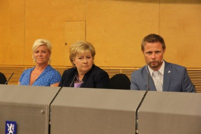 Prime Minister Erna Solberg (center) rolled out her government's health care reform proposal with Finance Minister Siv Jensen (left) and Health Minister Bent Høie. PHOTO: Helsedepartementet