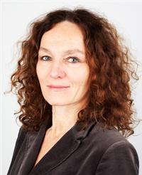 """Dr Camilla Stoltenberg, director of the Norwegian Institute of Public Health, calls the increase in alcohol consumption """"worrisome,"""" and urges a political debate over how to reverse it. PHOTO: Folkehelseinstitutt"""