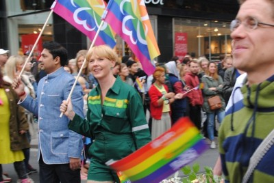 Anne Beathe Tvinnereim, a former diplomat in Norway's foreign ministry who was elected deputy leader of the farmer-friendly Center Party this spring, sported an unusual costume for the gay pride parade and her party even produced its own rainbow flags. PHOTO: newsinenglish.no