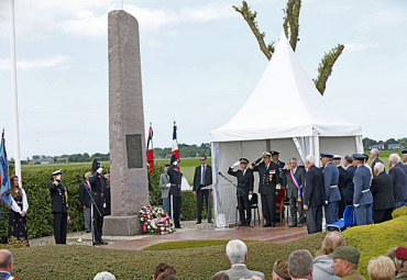 Norwegian veterans and King Harald were among those taking part in D-Day ceremonies in Normandy that began Thursday. PHOTO: Kongehuset/NTB Scanpix