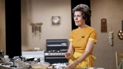 Ingrid Espelid Hovig in her TV kitchen at NRK in the mid 1970s. PHOTO: NRK