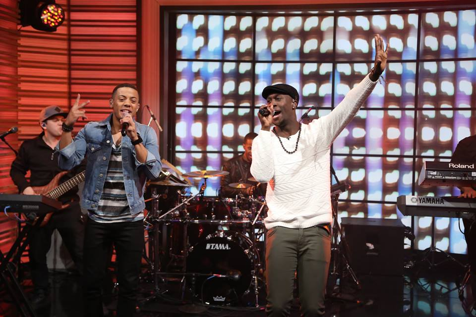 Nico Sereba, left, and Vincent Dery performing as Nico & Vinz on US talk show LIVE! with Kelly and Michael last month. The pair have dominated radio play across American stations, helping them hold onto fourth place on the Billboard singles chart for the second week. PHOTO: facebook.com/nicoandvinz