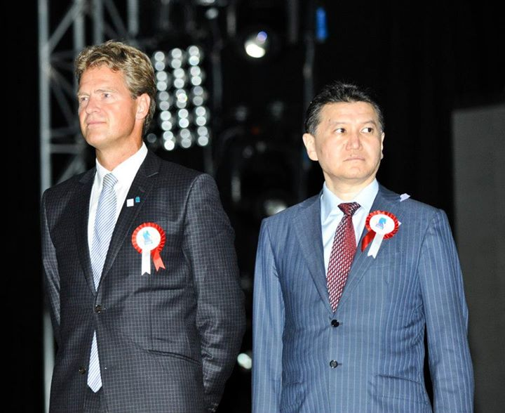 Tromsø mayor Jens Johan Hjort (left) and FIDE President Kirsan Ilyumzhinov at the closing ceremony of the 2012 Chess Olympiad. The Tromsø 2014 organizers bowed to pressure from FIDE on Monday and agreed to let teams who'd missed the June 1 registration deadline compete in next month's tournament. PHOTO: David Llada/facebook.com/IstanbulChessOlympiad2012