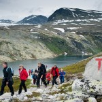 Thousands out hiking as autumn settles in
