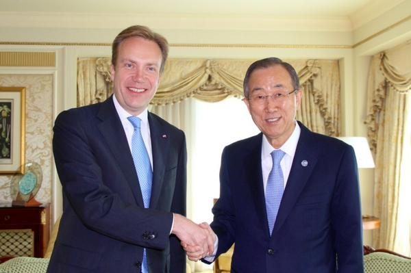 Norwegian Foreign Minister Børge Brende, left, met with United Nations Secretary General Ban Ki-moon in Doha on Monday. Several influential international groups gathered in Qatar over the weekend as part of the international efforts to establish a ceasefire between Israel and Hamas. PHOTO: Utenriksdepartementet
