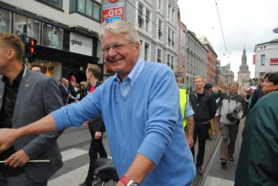 Fabian Stang was a popular Oslo mayor for eight years and kept a high profile, like here when he marched in the EuroPride parade in 2014. He has been open, however, about suffering from depression and returned to work on the City Council after nine months on sick leave. PHOTO: newsinenglish.no