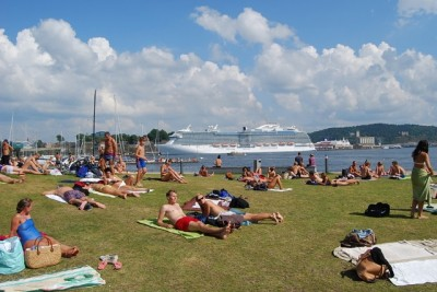 Last summer was so warm in Oslo that residents were sunbathing and swimming often in the Oslo Fjord. It was also very warm, too warm in the view of climate researchers, all over the country. PHOTO: newsinenglish.no/Nina Berglund
