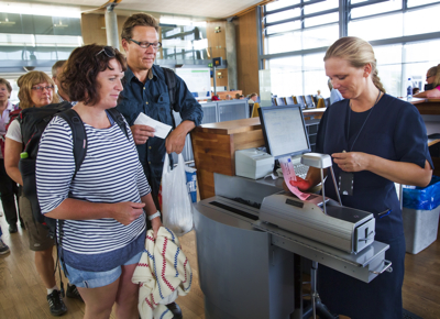 The Norwegian krone has plummeted in value over the past two weeks, leaving it the weakest it has been against the euro and pound in six years. It's bad timing for vacationers who typically head off on southern European beach holidays in July. PHOTO: Espen Solli/Oslo Lufthavn