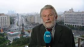 Hans-Wilhelm Steinfeld in a familiar pose, after 37 years on NRK. PHOTO: NRK