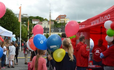 As folks gather in a festive atmosphere, Arendalsuka's organizers have been caught in conflict over the events ties to controversial public relations firm First House. PHOTO: Arendalsuka