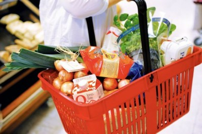 The price of a basket of grocery items in Norway keep rising, and now the government is challenging the grocery store chains once again. PHOTO: Landbruks- og matdepartementet