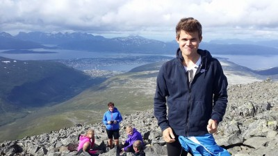 Chess champion Magnus Carlsen only took one day off in Tromsø, here with his family in the mountains just outside the city before his play began. Now he's heading home to the Oslo area to rest before another tournament in the US. PHOTO: Magnuschess via Facebook