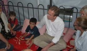 Foreign Minister Børge Brende visited refugees in Northern Iraq. On Tuesday, Norway started sending emergency humanitarian aid to the area. PHOTO: Utenriksdepartementet/Astrid Versto