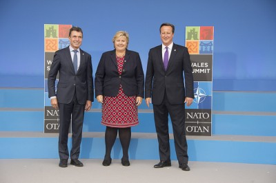 "Prime Minister Erna Solberg's ""welcome photo"" at the NATO Summit in Wales. She's flanked by NATO's secretary general Anders Fogh Rasmussen (left) and British Prime Minister David Cameron. PHOTO: NATO"