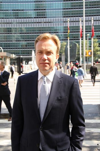 Foreign Minister Børge Brende spends most of his time traveling the world, like here at the UN in New York. This week he was heading to Argentina, where his counterpart Susana Malcorra is among the candidates to become the next secretary general of the UN. Brende also planned to visit Uruguay. PHOTO: Utenriksdepartementet/Frode Overland Andersen