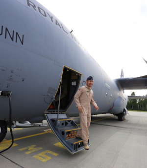 Lt Col Rune Støtvig was ready to lead the emergency aid mission to Northern Iraq, using a Norwegian Hercules military transport plane. PHOTO: Forsvaret/Asgeir Spange Brekke